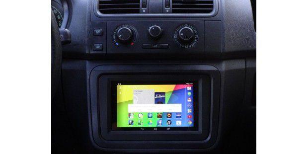 tablet pc nexus 7 ins auto einbauen und integrieren pc welt. Black Bedroom Furniture Sets. Home Design Ideas