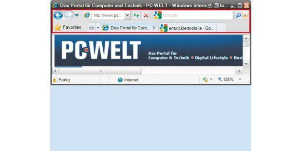 Der Internet Explorer 8 bietet eine zweizeilige Navigationsleiste - oben mit Blätter-Schaltflächen, Adress- und Suchfeld, unten mit Favoriten und Tabs.