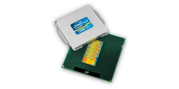Anfang 2011 folgt mit den Sandy-Bridge-Prozessor die zweite Core-i-Generation, die wieder einen neuen Steckplatz braucht. Gegenüber den ersten Core-i-Chips steigert Sandy Bridge die Leistung bei gleichem Verbrauch erheblichn und verfügt über eine schnellere integrierte Grafik. Übertaktern macht Intel aber das Leben schwer: Nur die aufpreispflichtigen K-Modelle mit freiem Multiplikator lassen sich vernünftig übertakten.