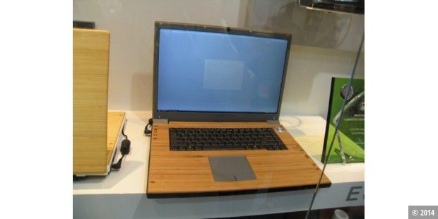computex notebook geh use aus holz pc welt. Black Bedroom Furniture Sets. Home Design Ideas