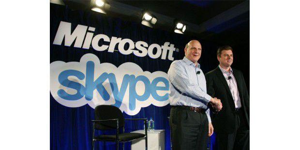 Microsoft-Chef Steve Ballmer und Skype-Chef Tony Bates