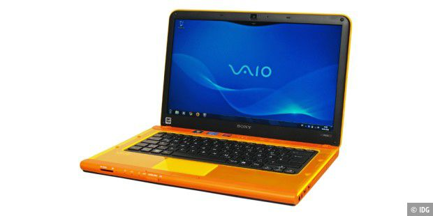 Die Farbe Orange: Notebook Sony Vaio VPCCA1S1E/D im Test