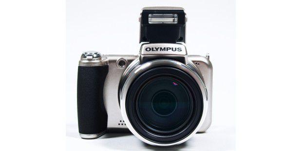 Platz 10: Olympus SP-800UZ (30fach-Zoom)