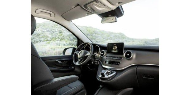 Mercedes benz stellt v klasse als neuen vw bus for Interieur neue a klasse