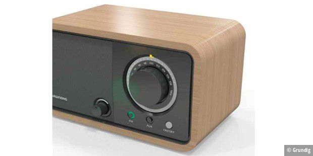 Wooden Table Radio 1200