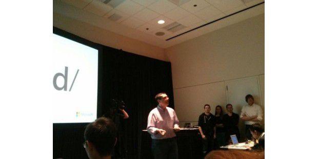 IE-Chefentwickler Dean Hachamovitch (im Hintergrund sind weitere leitende IE-Entwickler zu sehen)