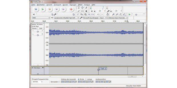 Audacity speichert die Aufnahme einer Schallplatte oderKassette in einer einzigen Datei. Über Marken in der Textspurkönnen Sie diese aufteilen und für jedes Musikstück eine einzelneDatei erzeugen.