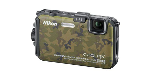 Geotags setzen einige Kameras (hier die Nikon CoolpixAW100) mit GPS selbst.