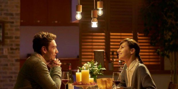 Sony kombiniert LED-Lampe und Bluetooth-Speaker - PC-WELT