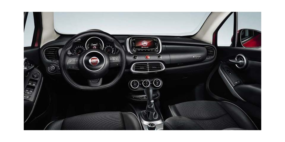 bilder uconnect 6 5 unterhaltung und navi im fiat 500x pc welt. Black Bedroom Furniture Sets. Home Design Ideas