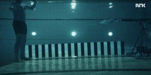 Physiker lässt sich unter Wasser beschießen