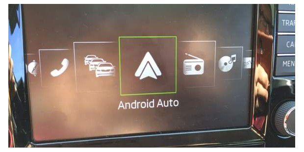 test skoda columbus 8 zoll touchscreen lte hotspot apps carplay android auto pc welt. Black Bedroom Furniture Sets. Home Design Ideas