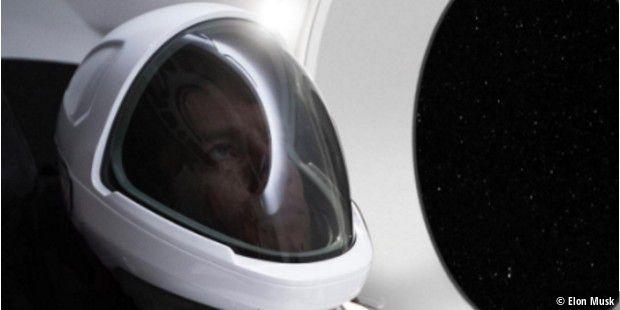 Erster SpaceX-Raumanzug für NASA präsentiert