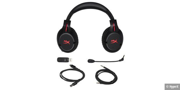All das befindet sich in der Box des HyperX Cloud Flight.