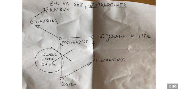 Das Foto zeigt den Zettel, den die österreichische Polizei den betroffenen Touristen an der Absperrung in die Hand drückte – analog schlägt hier also digital/Cloud ;-)